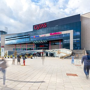 OZAS shopping and entertainment center, main entrance