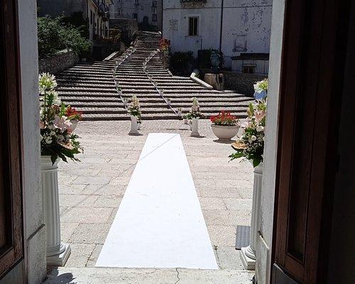 Balcone antistante la Chiesa in cui viene rappresentato il sacro volo dell'angelo