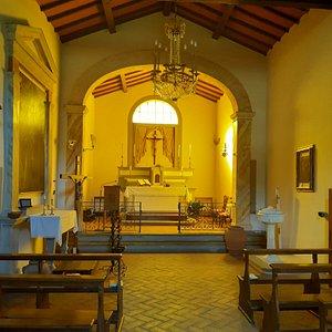 interno della Chiesa di San Biagio a Cantagallo
