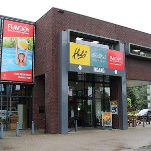 Ingang Haven 5 voor de shops Hubo XL, Decorette en Fun & Joy, speel-, feest- en leesplezier.
