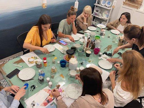 Мастер-класс по росписи посуды - очень медитативная и увлекательная процедура