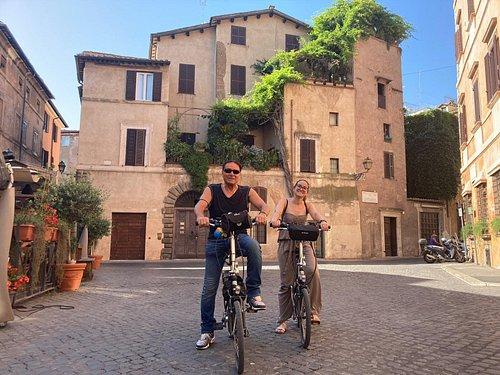 Discover Rome hidden gems on an e-bike guided tour