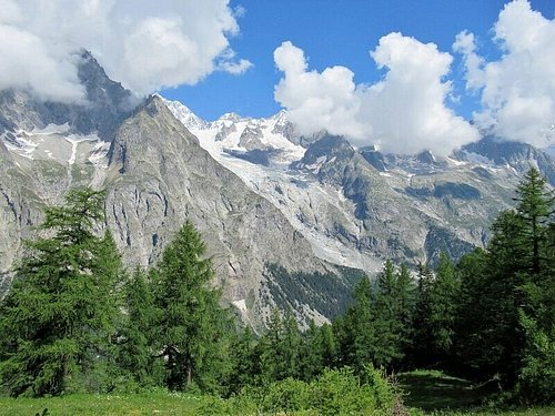 Cresta di Peuterey e Ghiacciaio della Brenva