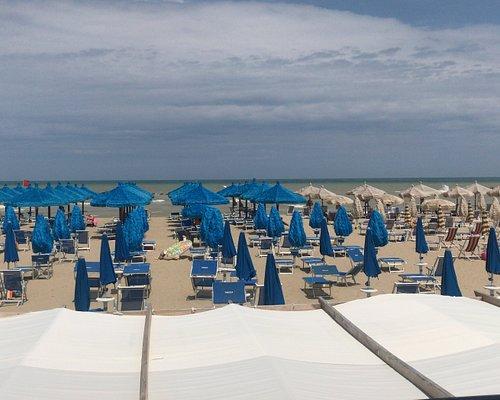 La spiaggia vista dal ristorante