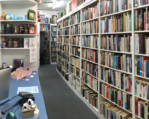 Well organised, something for everyone. Both new and pre-loved books, See you soon