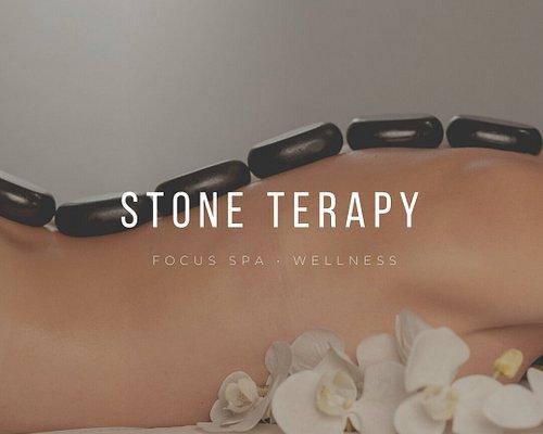 Taş masajı, ağrı kesici, rahatlama ve terapi amacıyla bir dizi ısıtılmış veya soğutulmuş taşın vücuda yerleştirilmesini içeren bir alternatif tıp masaj terapisi ve karoseridir.