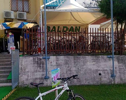 A Tarvisio direttamente sulla ciclovia Alpe Adria, noleggio e assistenza bici. Personale estremamente competente, paziente e disponibile