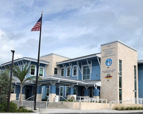The new Marathon Branch Library building and Adult Education Center. Monroe County Public Library and Monroe County School District Marathon, Florida