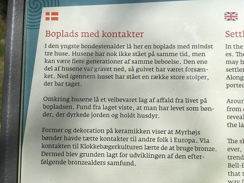 Beskrivelse både på dansk, tysk og engelsk
