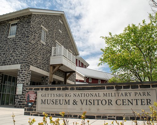 Your Gettysburg visit begins here. The Gettysburg National Military Park Museum & Visitor Center provides exclusive resources and experiences to introduce you to the Battle of Gettysburg and prepare you for a tour of the battlefield.