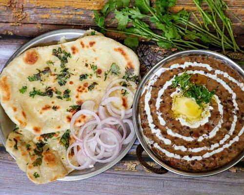 Dal makhani and garlic naan prepared during experience