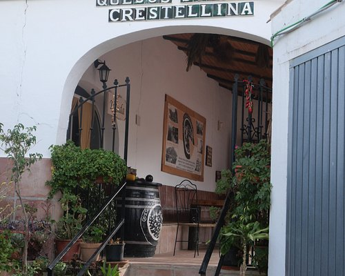 Quesos Sierra Crestellina Waar de kaas gemaakt wordt en de geiten gemolken gehoed.