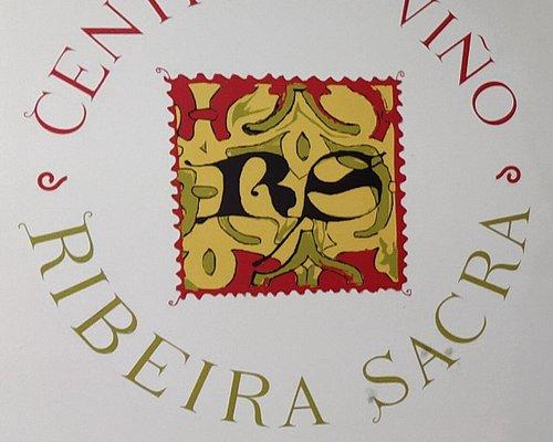 Oficina de turismo , centro de interpretación de la Ribeira Sacra y además sede de la D.O. Ribeira Sacra.