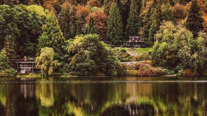 Deer Lake Park's lake