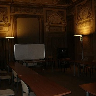 A (class)room inside Palazzo Rucellai