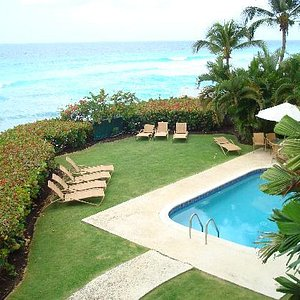 The pool is right on the ocean...how beautiful!