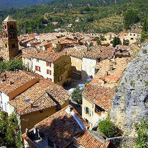 Picture of Moustiers from below.
