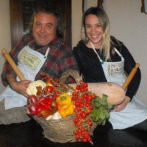 To discover a country and its traditions throught the taste and smell of its cooking
