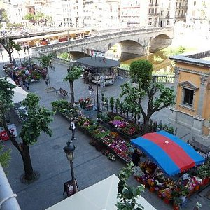 view from balcony large room - flower market sat am
