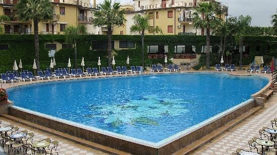 caesar palace hotel sicilia)
