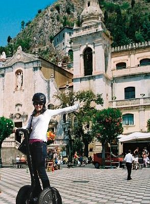 Taormina Segway PT Tour authorized by CSTRents - Corso Umberto