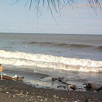 surfing at el tunco...