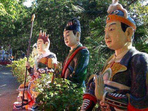10,000 Buddha monastery path in Sha Tin