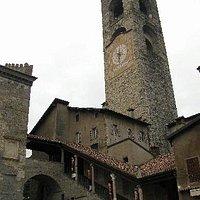 Palazzo del Podestà con la Torre Civica