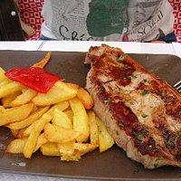 No solo pescado y marisco, sino carne excelente