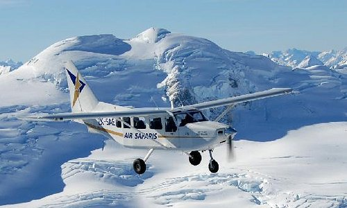 Scenic glacier flights from Franz Josef