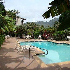 Wailua Bay View Pool Area