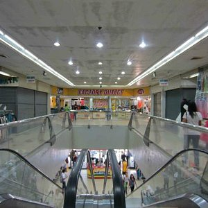 Inside the entrance to Tutuban Mall
