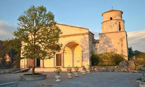 """La Basilica al tramonto, in un giorno """"normale"""""""
