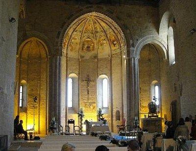 Basilica di Santa Maria della Rocca interni (Picenoshire)