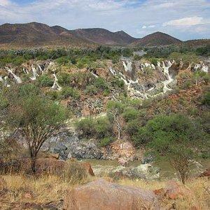 Epupa Falls Grenze zu Angola