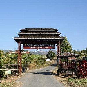 Red Mountain Estate Vineyards & Winery