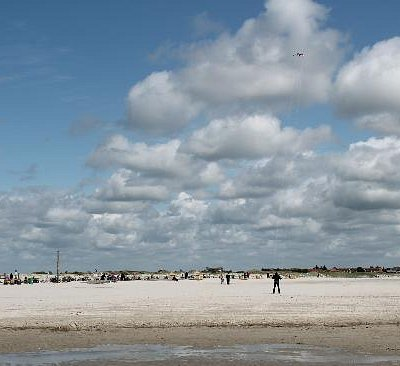 There is a whole section of beach for Kite flying...i tried it out!
