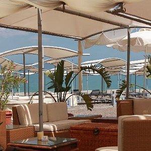 Пляж у отеля Atrium Palace
