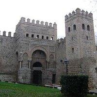Puerta de Alfonso VI, Toledo.