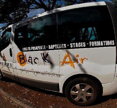 Le camion de Black Air Parapente