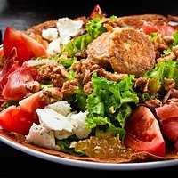 Smoked Ham and Goat Cheese Salad