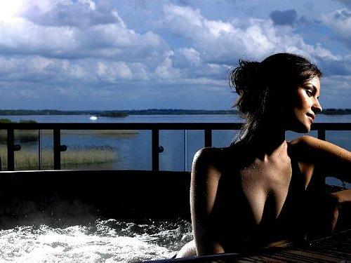 Hot Tub at The Spa at Hodson Bay Hotel