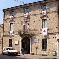 Facciata del Museo Internazionale Croce Rossa da Via Garibaldi al 50