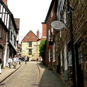Below Harding House Gallery on the beautiful Steep Hill
