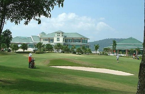 the clubhouse from the 9th hole of the back 9-holes at Pattana