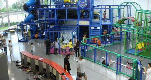 The 3-storey play structure for kids 4+ years old