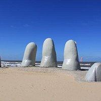 Monumento de Los Dedos