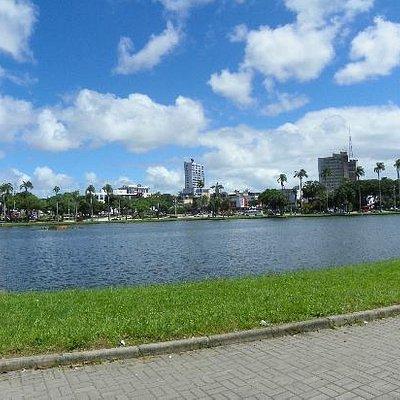 Uma lagoa linda no centro da cidade de Joao Pessoa...belissimo lugar!!