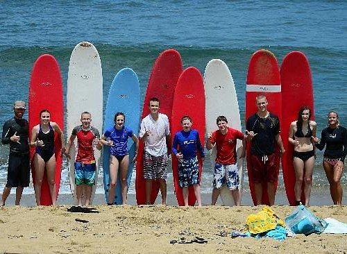 puntas surf school group lesson