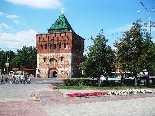 Dmitrievskaya tower